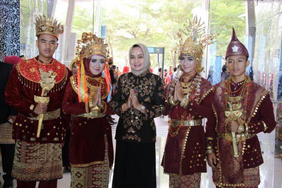 Riana Sari Arinal Djunaidi Apresiasi Kreativitas Pelajar Lampung
