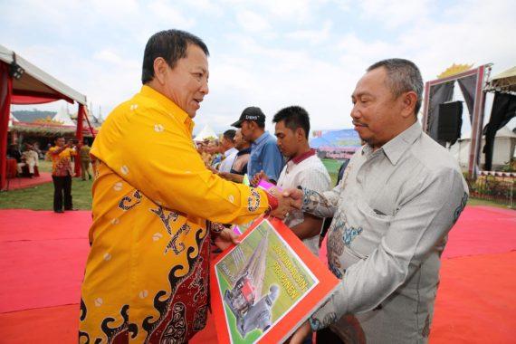 Gubernur Lampung Arinal Djunaidi Sosialisasikan Kartu Petani Berjaya
