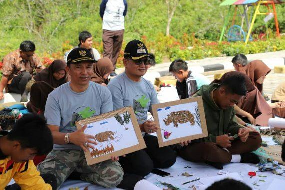 Bupati Lampung Barat Parosil Mabsus Hadiri Peringatan Hari Badak Dunia di Kebun Raya Liwa