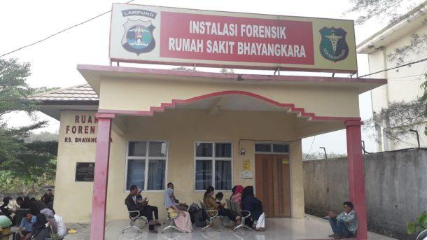 Korban Kecelakaan di Tol Trans Sumatera Tiba di Rumah Sakit Bhayangkara