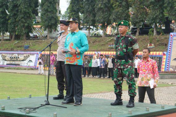 ASN, Polri, dan TNI Apel Bersama di Lapangan Pemkab Tanggamus