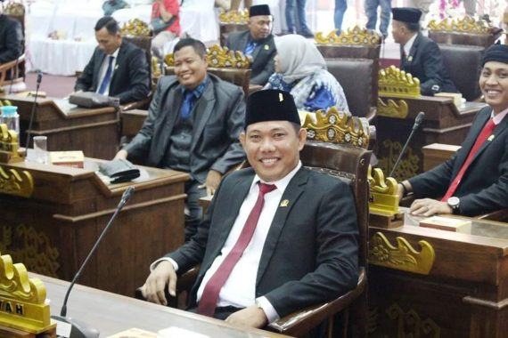 Anggota DPRD Tulangbawang Barat Nadirsyah Ingin Ubah Sampah Plastik Jadi Ayam dan Daging,