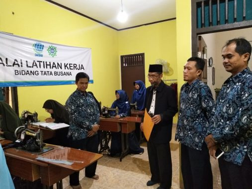 Abdul Hakim Kunjungi Rumah Pemberdayaan Duafa LAZDAI