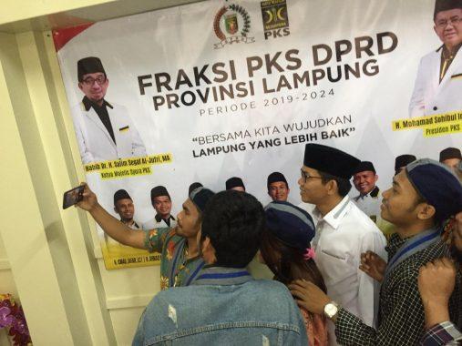 Pilkada Bandar Lampung 2020: Yonasyah Gelar Cukur Gratis di Taman Gajah Enggal