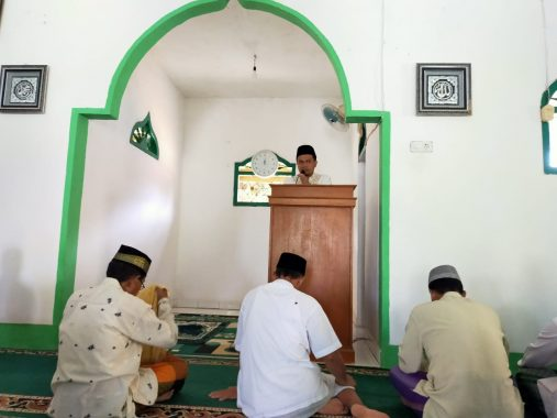 Khutbah Jumat di Masjid Al Wustho Poncowati Lampung Tengah, Mufti Salim: Wong Kang Soleh Kumpulono