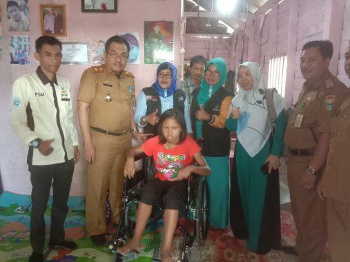 ACT Lampung dan LKS Alamanda Tanggamus Bantu Kursi Roda Penyandang Disabilitas di Kota Agung.
