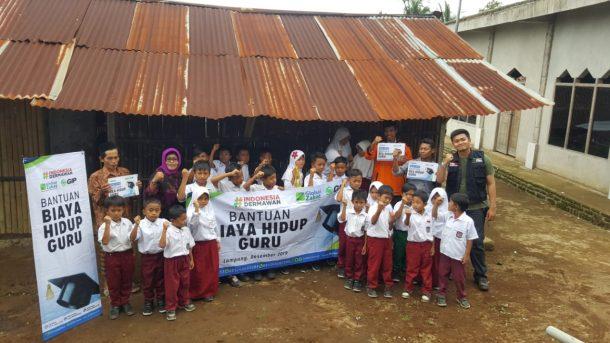 ACT Lampung dan LKS Alamanda Bantu Madrasah Ibtidaiyah Dusun Way Kandis Kotaagung Timur