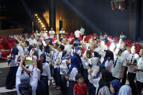 Reuni Perak SMPN 2 Tanjungkarang Angkatan 1994 Meriah, Para Guru Diberikan Keping Emas Tanda Cinta