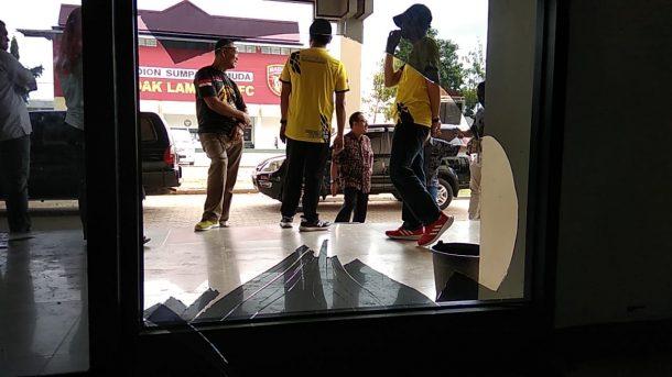 Kaca Kantor KONI Lampung Dipecahkan Oknum, Kasat Pol PP Lampung Jayadi: Salah Paham
