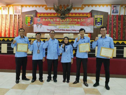 Pemkot Metro Beri Penghargaan Pendamping PKH Teladan