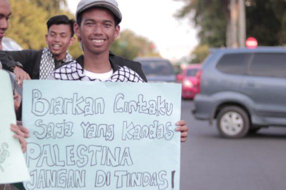 Biarkan Cintaku Saja yang Kandas, Palestina Jangan Ditindas