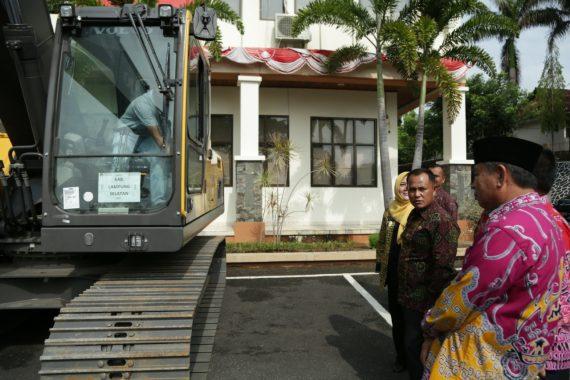 Plt Bupati Lampung Selatan Minta Alat Berat dari Kementerian PUPR Tak Disewakan ke Pihak Luar