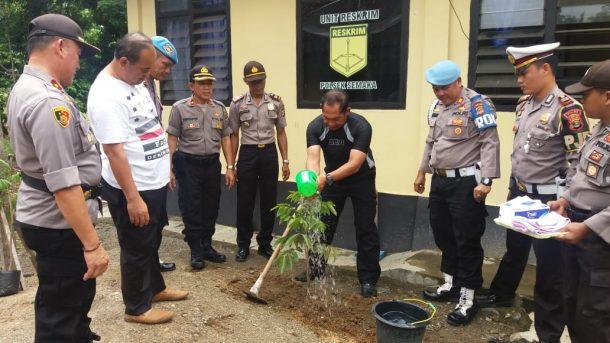 Deddy Dores Turun Jadi Relawan Bantu Korban Banjir Bandang di Lebak Banten