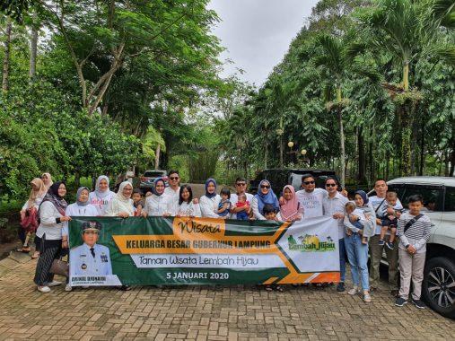 Keluarga Besar Gubernur Lampung Arinal Djunaidi Wisata ke Lembah Hijau
