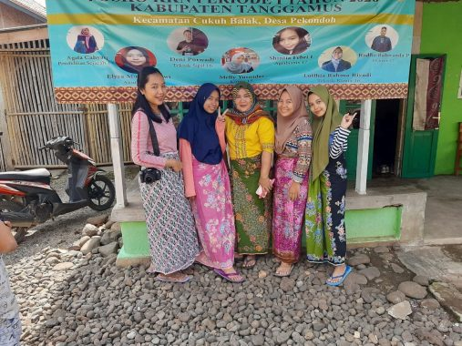 Warga Pekon Doh Kecamatan Cukuh Balak Tanggamus Pertahankan Budaya Tatap Muka dan Bersarung