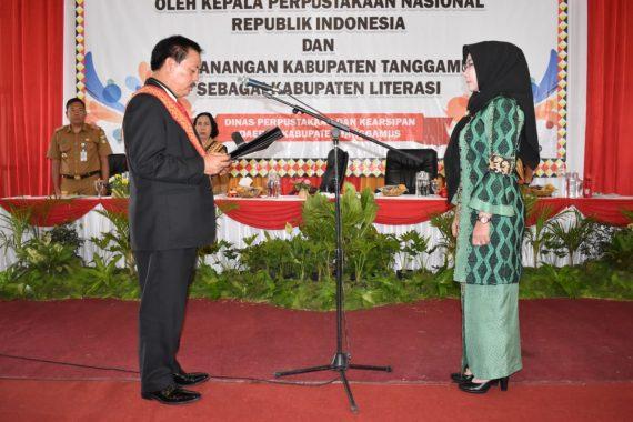 Bupati Tanggamus Dewi Handajani Dikukuhkan Jadi Bunda Literasi