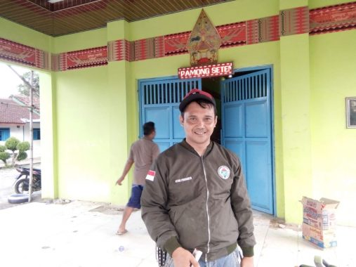 Kepala Desa Bagelen Bantu Warga Korban Banjir