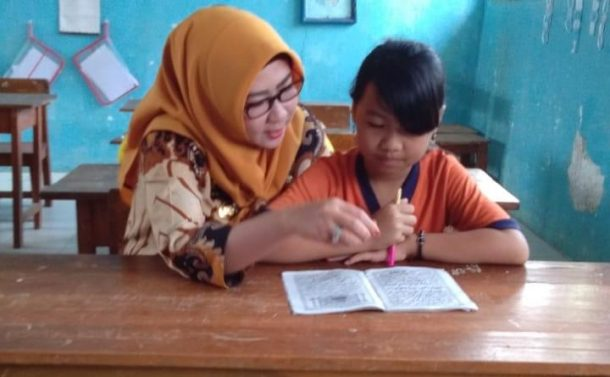 Bupati Tanggamus Dewi Handajani Kunjungan ke Tiga Lokasi di Kotaagung Timur