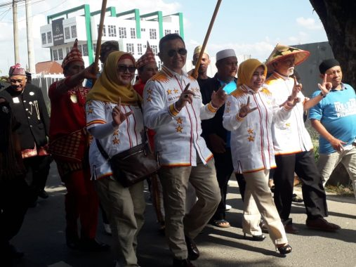 Ike Edwin-Zam Zanariah Daftar ke KPU Bandar Lampung Jalur Independen