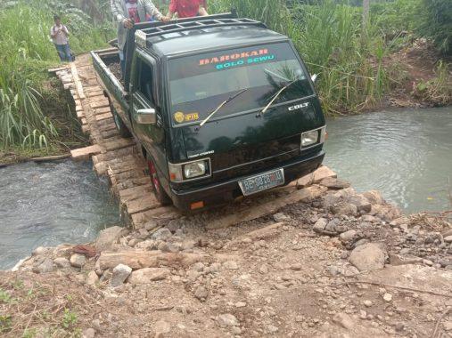 Jalan ke Pekon Sampang Turus Kecamatan Wonosobo Tanggamus Sulit Diakses