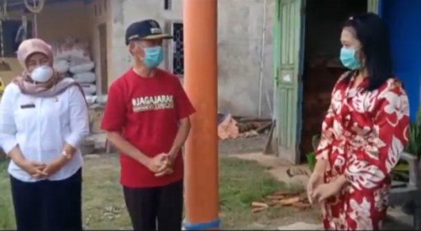 Pasien Sembuh Covid-19 Disambut Selawat Nabi dan Diiringi Mobil Bupati Pringsewu Abah Sujadi