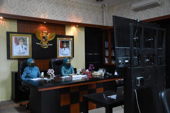Ketua Tim PKK Tulangbawang Barat Ikuti Telekonferensi dengan Ketua Tim PKK Lampung Riana Sari Arinal