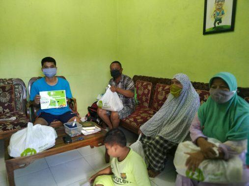Puasa Duafa: Ibu Rohim, Mengais Sampah di Tengah Wabah