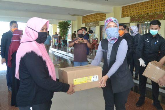 Wakil Gubernur Lampung Hadiri Operasi Pasar Bersubsidi di Pringsewu