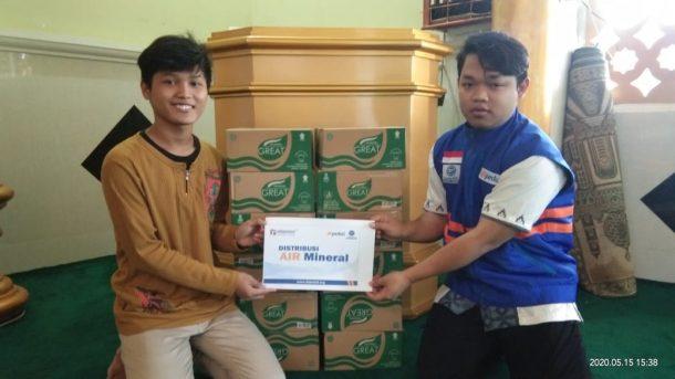 Telkomsel Beri Bantuan Sosial bagi Masjid dan Yayasan di Sumatera