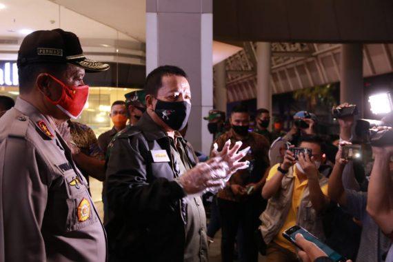 Gubernur Lampung Arinal Djunaidi Tinjau Pusat Perbelanjaan Malam Lebaran