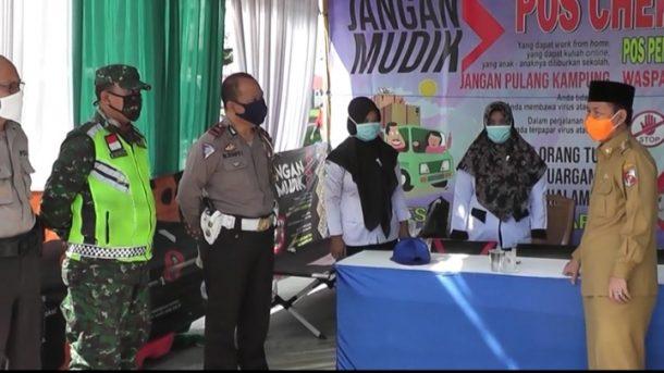 Plt Bupati Lampung Utara Tinjau Check Point dan Pos Pengamanan
