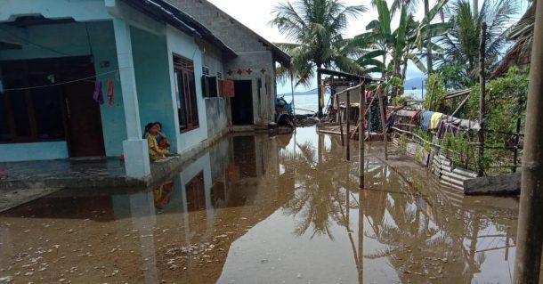 Dua Desa di Kecamatan Pematangsawa Tanggamus Terendam Rob