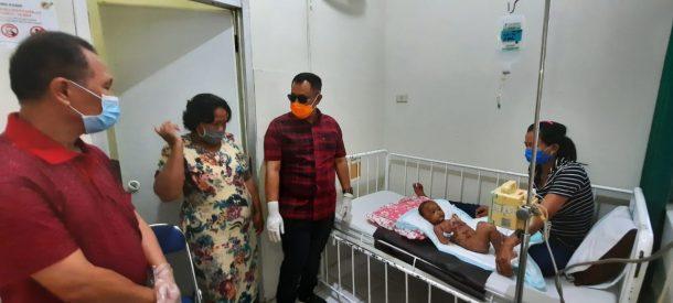 Jenguk Balita Autoimun Asal Natar, Nanang Ermanto Berikan Tali Asih