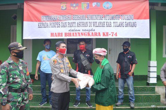 Polres Tulangbawang dan Komunitas Automotif Touring Distribusikan Bahan Pokok ke Panti Asuhan dan Ponpes