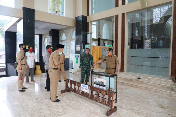 Jelang New Normal, Nanang Ermanto Sidak Kesiapan Masjid Agung Kalianda