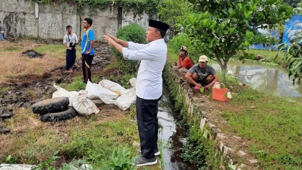 Antoni Imam Jadikan Halaman Rumah Aspirasinya Lahan Produktif dengan Tanaman dan Budi Daya Ikan