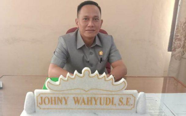 Johny Wahyudi Apresiasi Prestasi Dewi Handajani dan AM Syafii