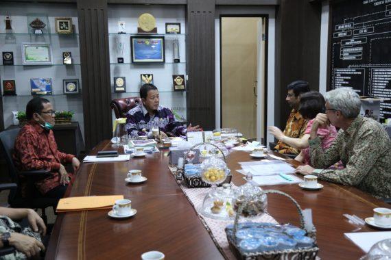 Gubernur Arinal Djunaidi Ajak Nestle Dorong Petani Petik Biji Kopi Merah