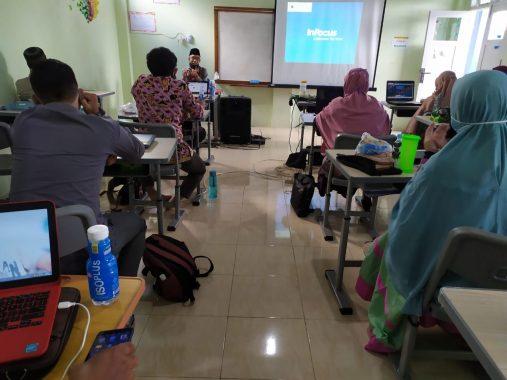 Abdul Hakim Motivasi Peserta Pelatihan Multimedia