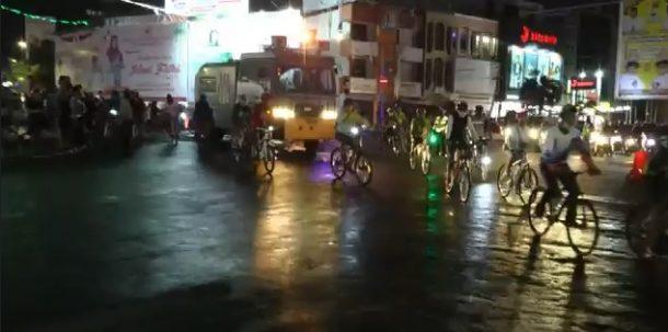 Gowes Bareng Marak, Polresta Bandar Lampung Kawal dan Semprotkan Disinfektan