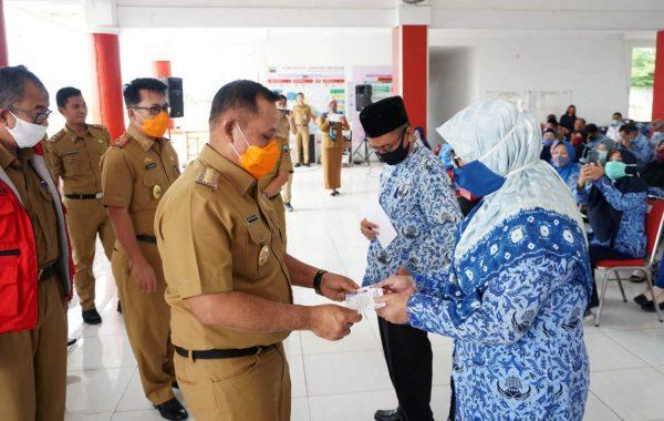 Nanang Ermanto Serahkan Tali Asih 170 Pensiunan ASN Pemkab Lampung Selatan
