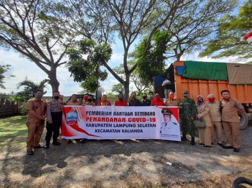 Di Kalianda, Pemkab Lampung Selatan Salurkan 2.740 Paket Sembako