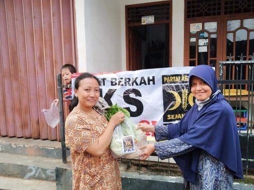 Kader PKS Way Halim Berbagi Sayur