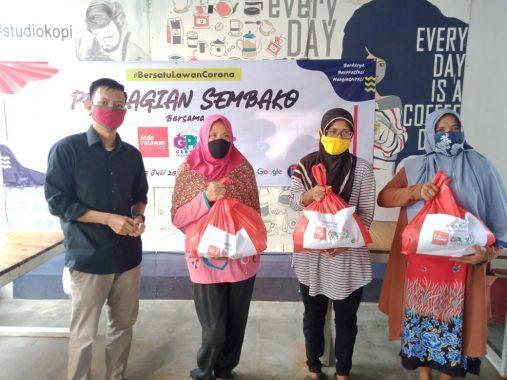 Gebyar Pelajar Lampung dan Indorelawan Bagikan Bahan Pokok