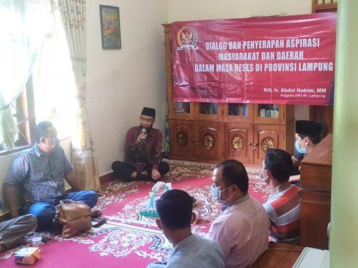 Abdul Hakim Dialog dengan Kelompok Tani Merbau Mataram Lampung Selatan