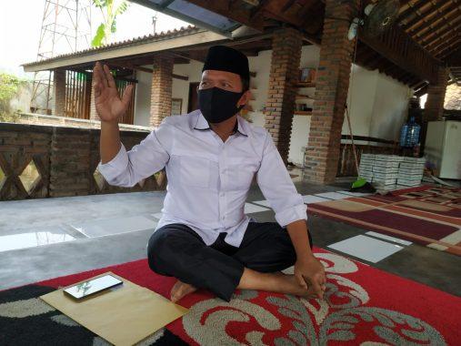Khas Kemeja Putih Lengan Digulung Sesiku, Duluan Mana Jokowi Atau Antoni Imam?