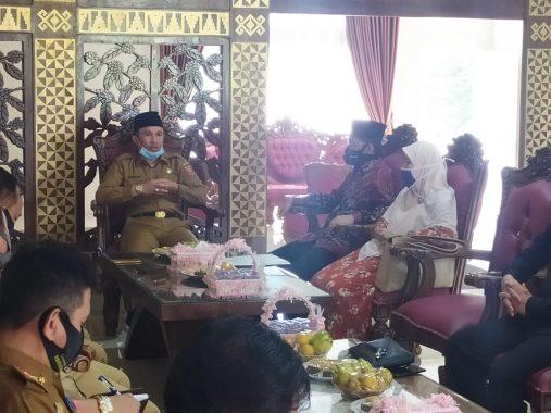 Abdul Hakim Kunjungan Kerja ke Bupati Lampung Barat Parosil Mabsus