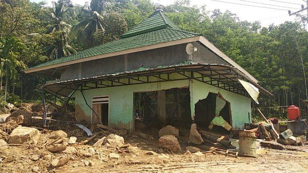 ACT Kirim Bantuan Korban Banjir dan Longsor di Semaka Tanggamus