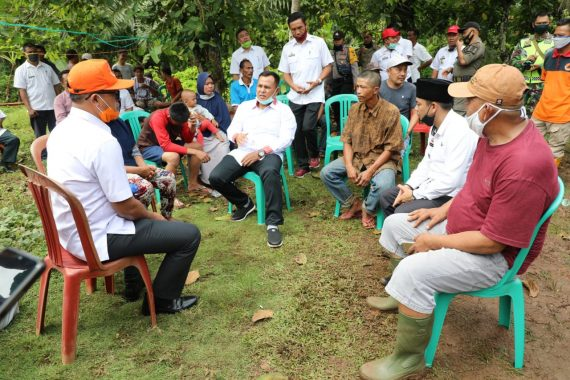 Nanang Ermanto Programkan Bedah Rumah Swadaya dari Pejabat Lampung Selatan