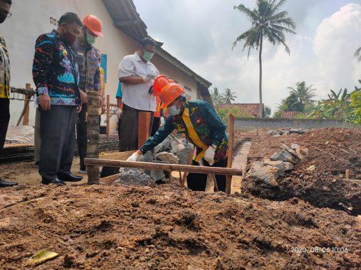 Wali Kota Metro Lakukan Peletakan Batu Pertama Rumah Produksi Abon Lele di Margodadi